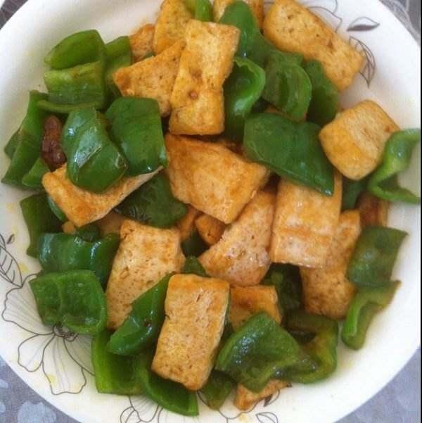 青椒炒豆腐圆