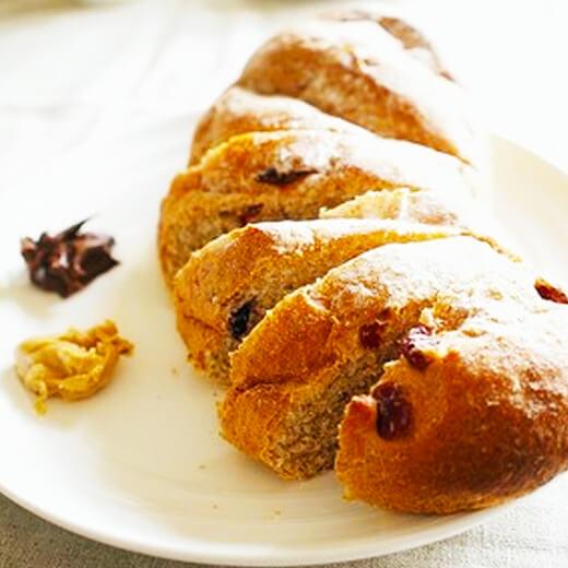 黑糖蔓越梅全麦面包