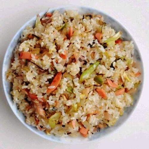 胡萝卜韭菜蛋炒饭