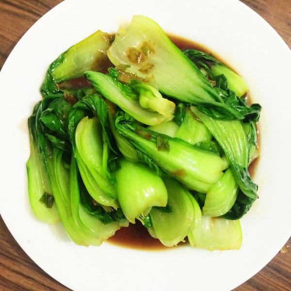 家常洋葱炒油菜蕻