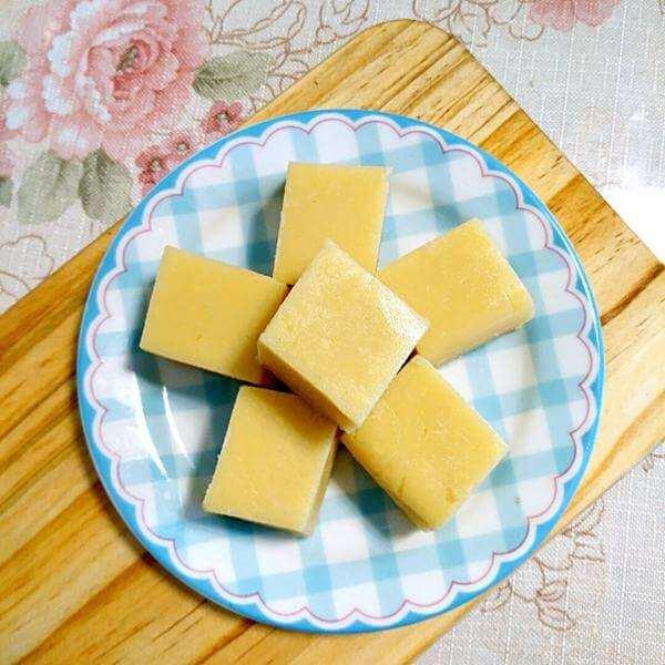 美味的牛奶豌豆黄