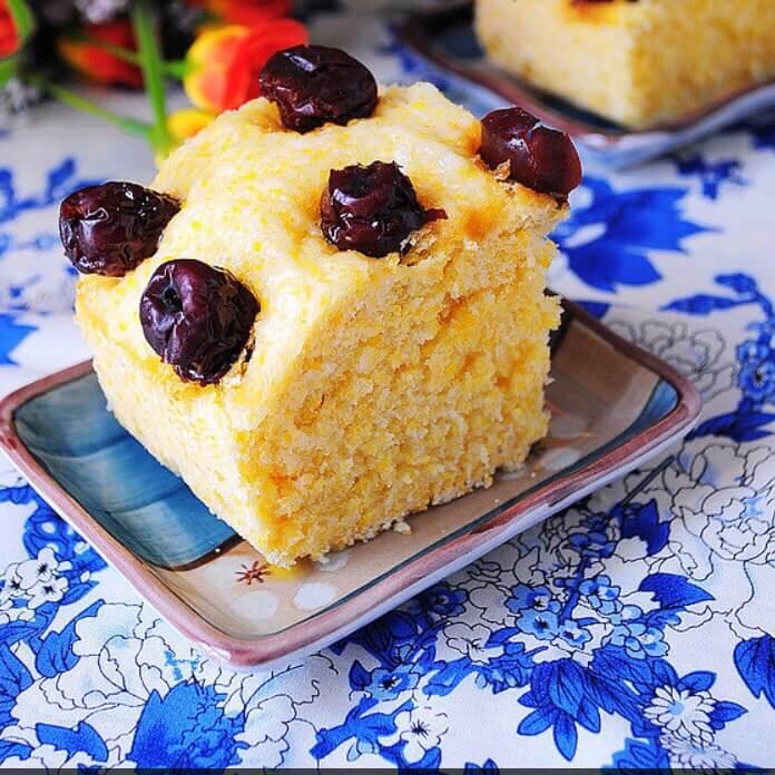 玉米面小豆发糕