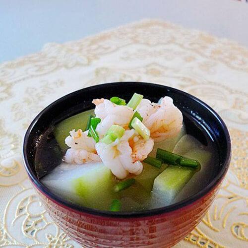 虾仁滚节瓜汤