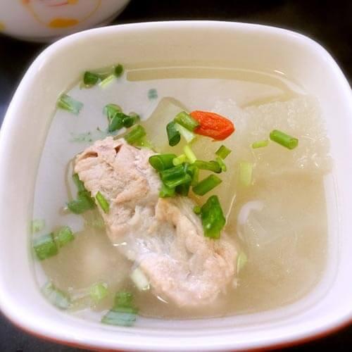 筒子骨莲藕汤