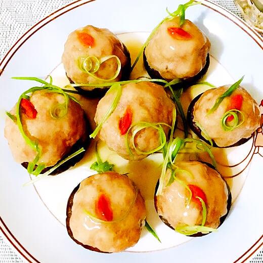 香菇肉丸焖萝卜