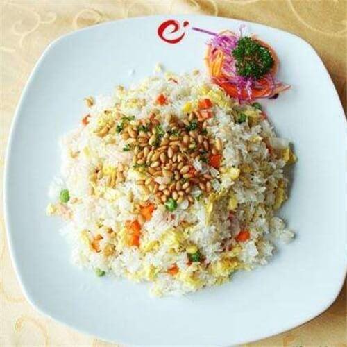 红椒松子炒饭