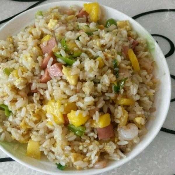 懒人版-肉丝虾仁炒饭