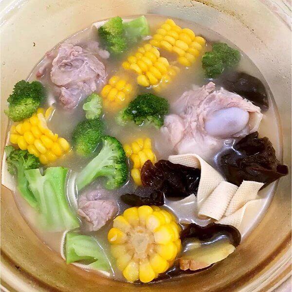咸猪肝大骨汤