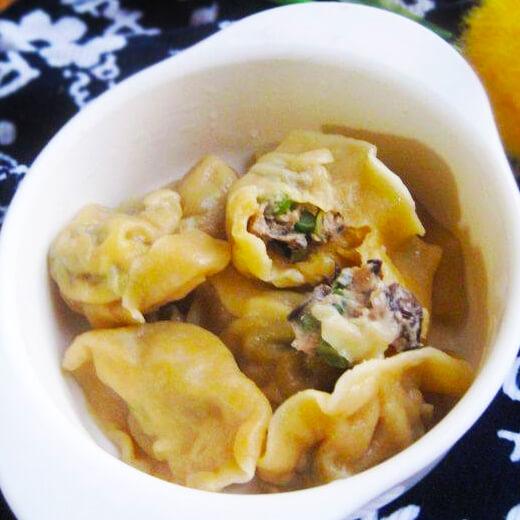 蒜苔肉饺子