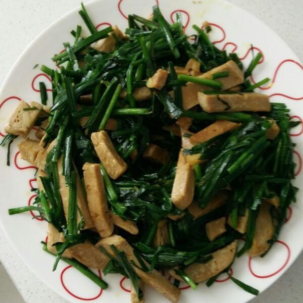 韭菜鹌鹑蛋小素鸡