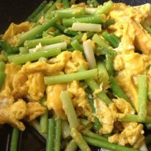 蒜苔碎炒鸡蛋