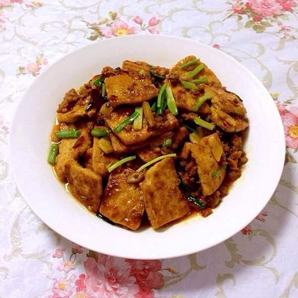 香辣酱汁烩豆腐