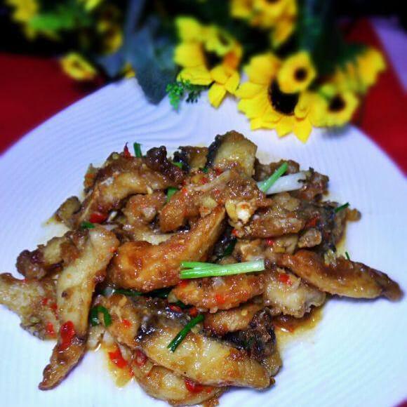 酸椒焖鱼条
