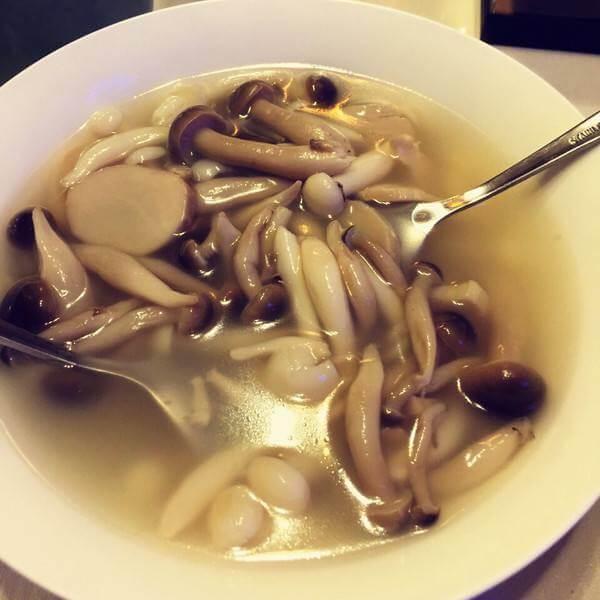 蛏干炖菌菇汤