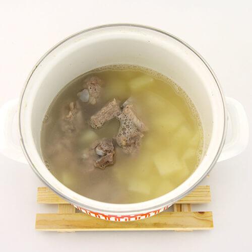 黑木耳马铃薯汤