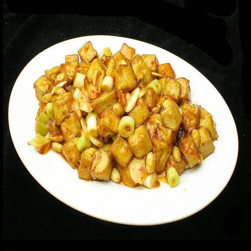 青椒花生烩豆腐