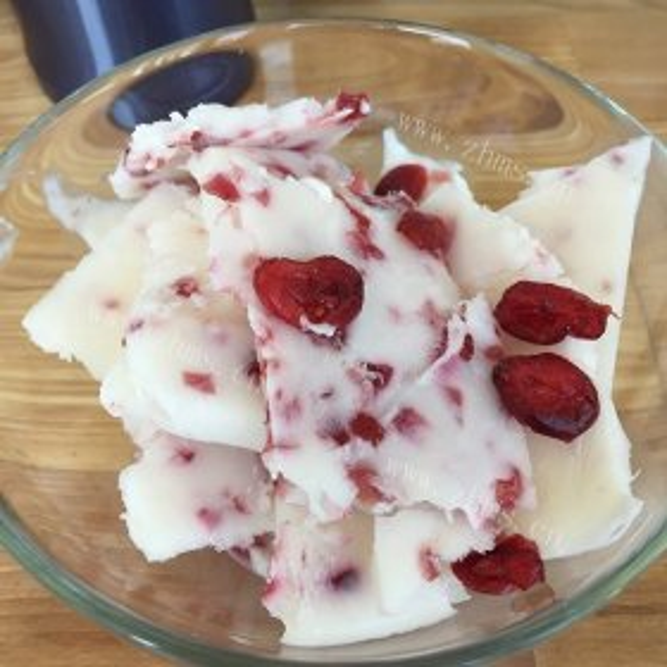 蔓越莓干和酸奶
