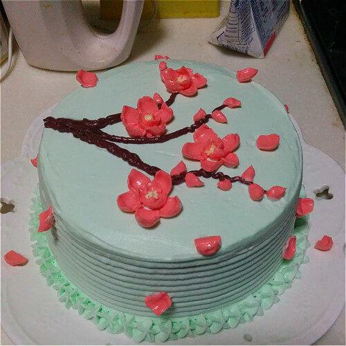 6寸梅花奶油霜蛋糕