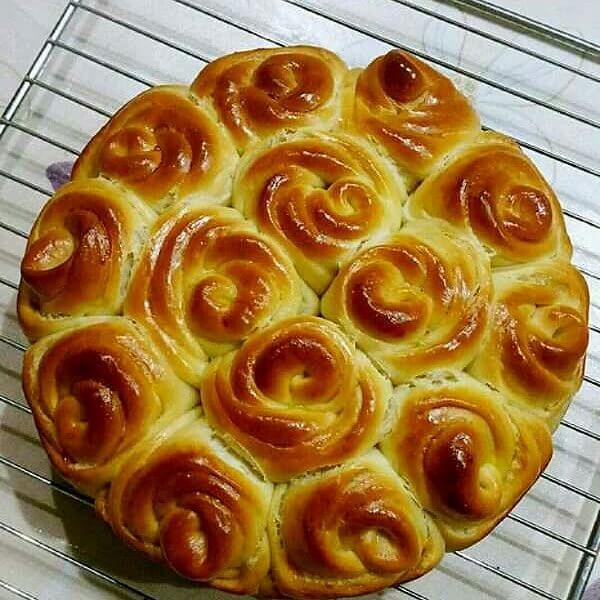 红豆玫瑰面包