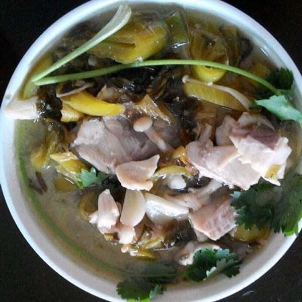 鸭翅根东北酸菜汤