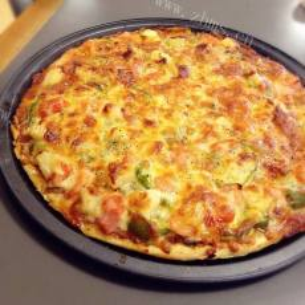 薄饼海鲜培根披萨