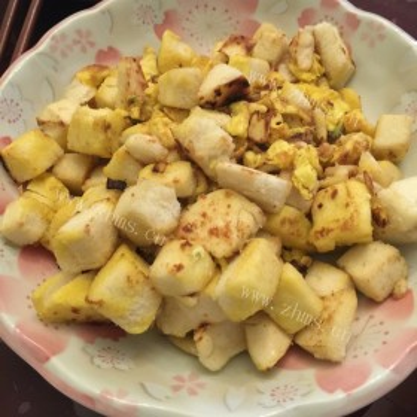 鸡蛋韭菜炒馒头