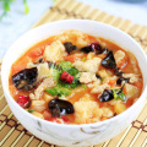 青椒胡萝卜木耳丸子汤