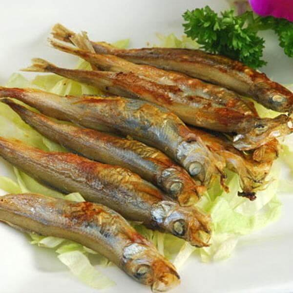洋葱焖多春鱼