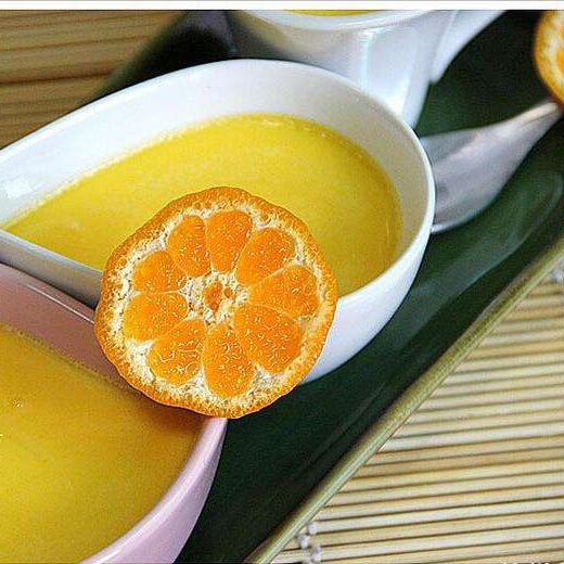 健康的橘子大布丁