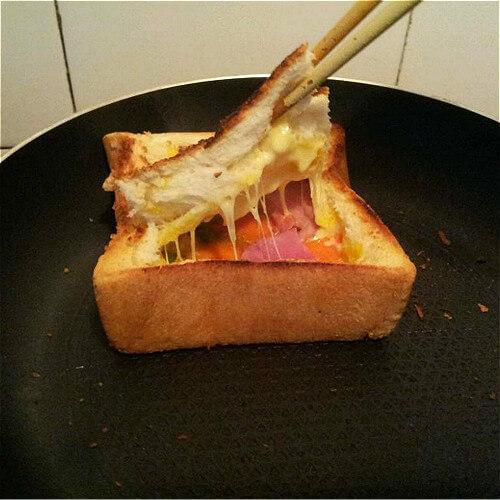 美味培根面包片披萨