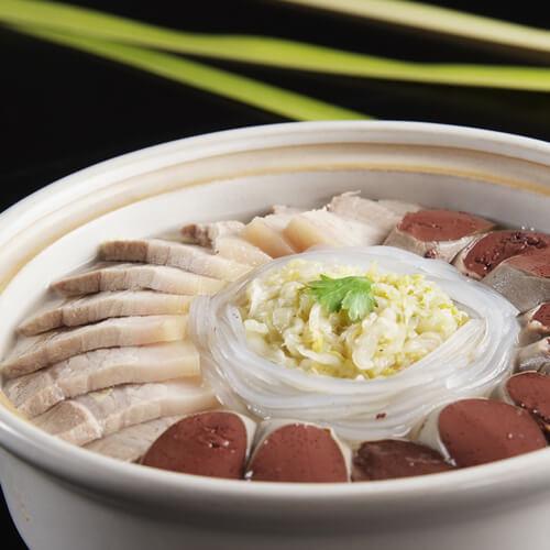 东北酸菜炖白肉
