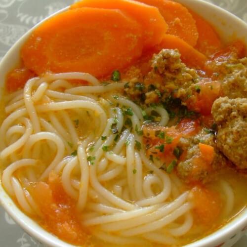 番茄山药汤米线