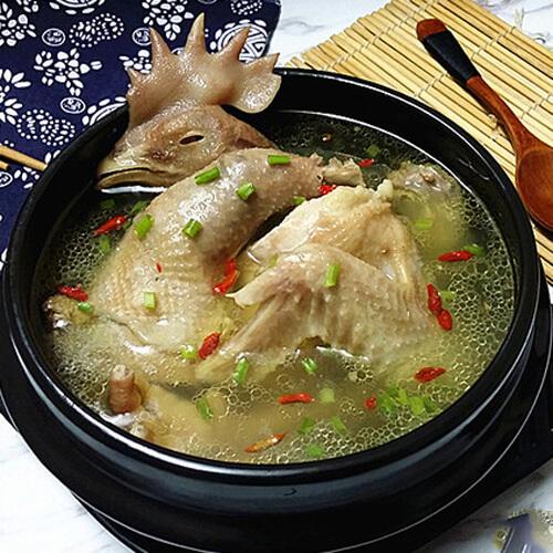 六味老母鸡汤