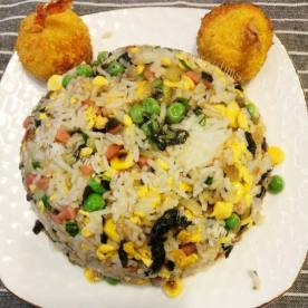 腊肉豌豆糯米饭