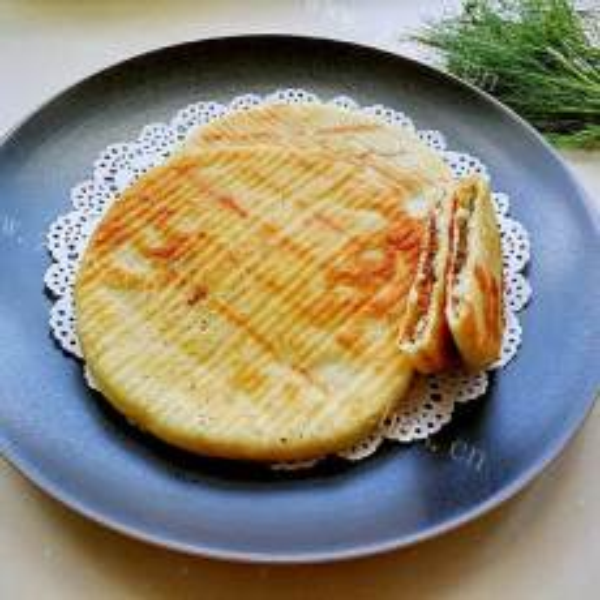 灶台蔬菜肉陷饼