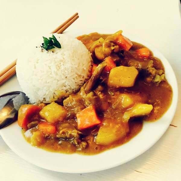 胡萝卜鸡腿菇焖肉丝