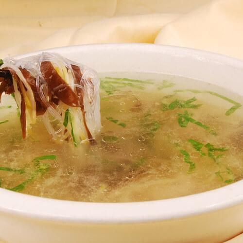 诱人的榨菜黄瓜肉丝汤