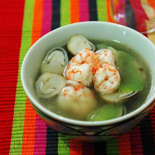诱人的香菇贡丸汤