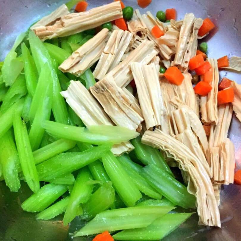 鸡汁青豆腐竹