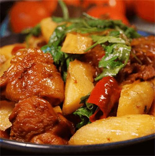 美味石锅辣酱炖鸡