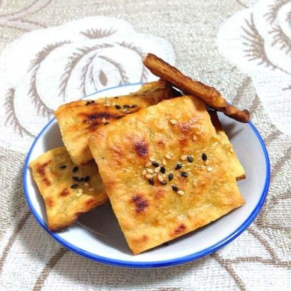 红薯叶饼干块