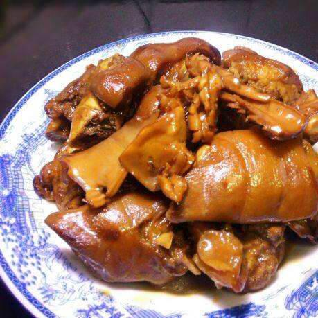 鱿鱼焖猪脚