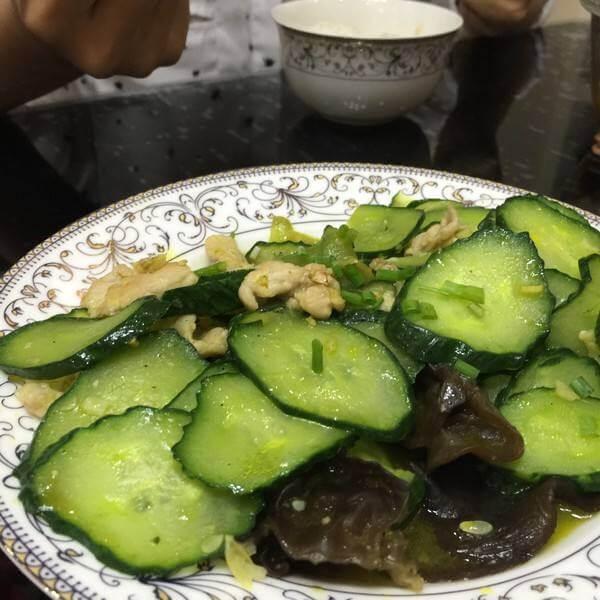 木耳黄瓜炒肉丁