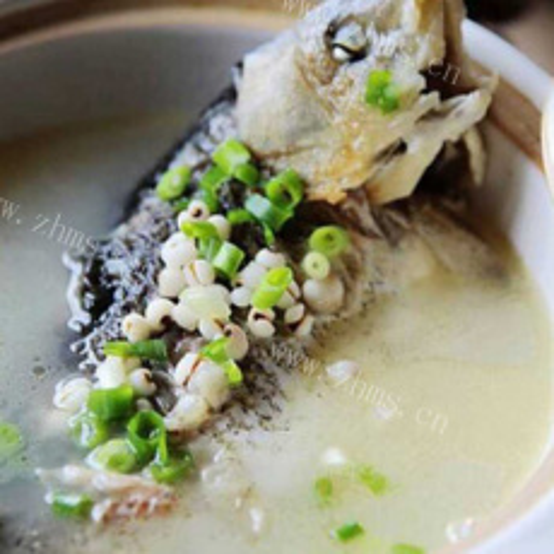 乳白鲫鱼汤