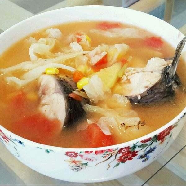 银耳蔬菜汤