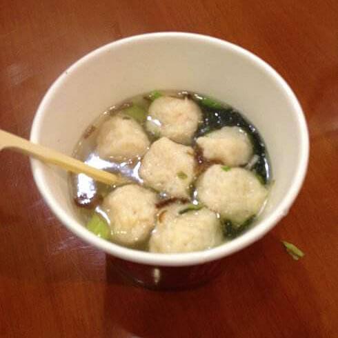 鸡毛菜鱿鱼丸汤