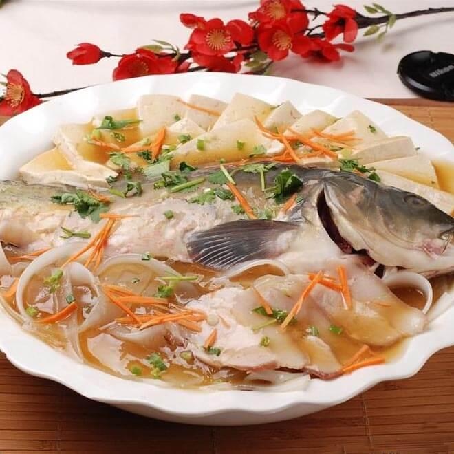美味的德莫利炖鲤鱼