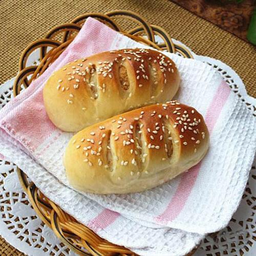 豆沙麻花面包