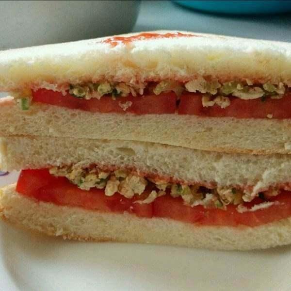 自制番茄鸡蛋三明治