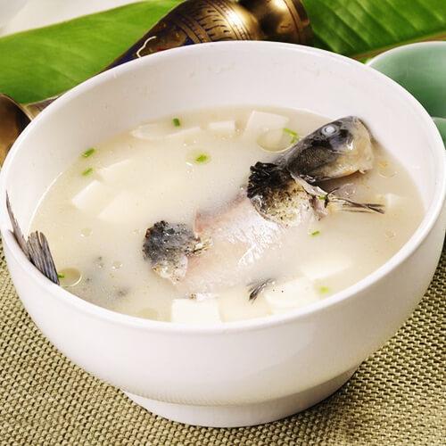 白萝卜煮鱼汤